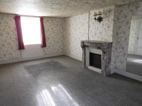 Image No.5-Maison de campagne de 4 chambres à vendre à Vallière