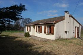Image No.8-Bungalow de 3 chambres à vendre à Saint-Léger-Magnazeix