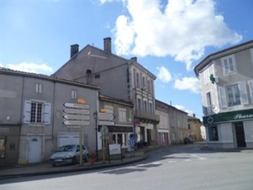 1 - Saint-Claud, House