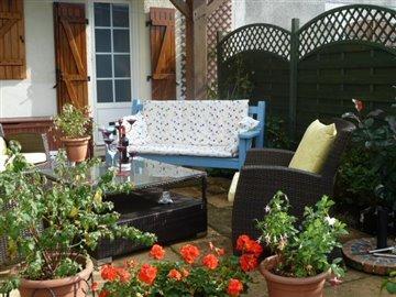Mixed 22 apr house & garden 007