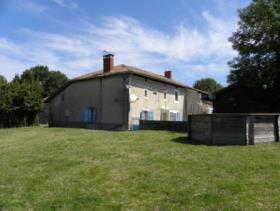 Lesignac-Durand, Farmhouse