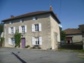 1. 6 Bed Country House for sale