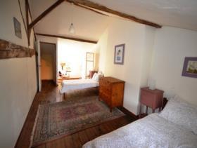 Image No.9-10 Bed Gite for sale
