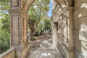 Perpignan, Mansion