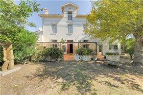 Languedoc-Roussillon, House