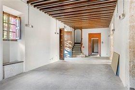 Image No.4-15 Bed Villa for sale