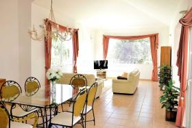 Image No.3-Villa / Détaché de 4 chambres à vendre à Triquivijate