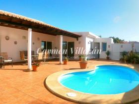 Image No.15-Villa / Détaché de 4 chambres à vendre à Triquivijate