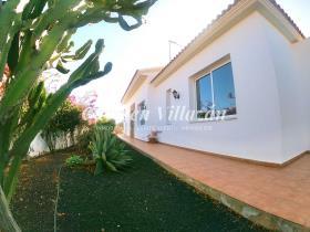 Image No.16-Villa / Détaché de 4 chambres à vendre à Triquivijate