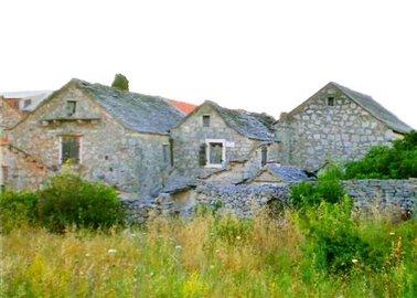 1 - Hvar, Property