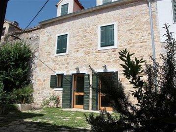 zlarin property house sale kamena kuca prodaja nekretnine properties