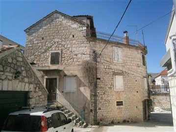trogir-centar-kamena-kuca-prodaja-nekretnine-center-stone-house-sale-property-estate-1