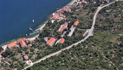 vis-otok-grad-gradjevinsko-zemljiste-gradjevinska-zemljista-prodaja-nekretnine-building-plot-sale-real-estate-croatia-vis-1
