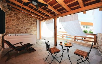 hvar-vrbanj-house-villa-pool-sale-property-stone-croatia-real-estate-kamena-kuca-vila-prodja-bazen-nekretnine-1
