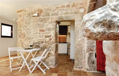 hvar-vrbanj-house-villa-pool-sale-property-stone-croatia-real-estate-kamena-kuca-vila-prodja-bazen-nekretnine-4-a