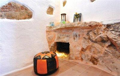 hvar-vrbanj-house-villa-pool-sale-property-stone-croatia-real-estate-kamena-kuca-vila-prodja-bazen-nekretnine-3-c