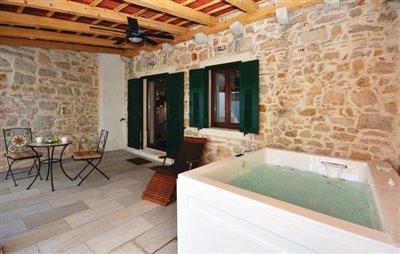 hvar-vrbanj-house-villa-pool-sale-property-stone-croatia-real-estate-kamena-kuca-vila-prodja-bazen-nekretnine-6-a