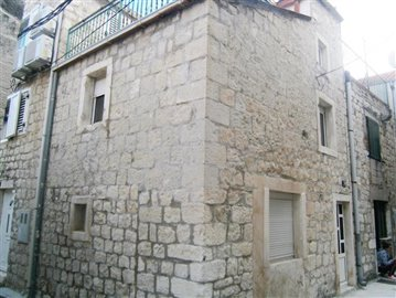 kastel-novi-kastela-kuca-prodaja-nekretnine-house-sale-property-croatia-real-estate-1-b