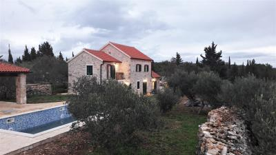 hvar-kuca-vila-bazen-prodaja-imanje-nekretnine-property-house-villa-pool-luxury-estate-croatia-villas-5-b