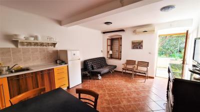vis-otok-island-komiza-house-house-sale-property-kamena-kuca-kamene-kuce-prodaja-nekretnine-1-a
