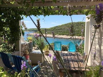 vis-island-otok-villa-pool-sale-property-estate-croatia-vila-s-bazenom-kuca-vile-vis-prodaja-nekretnine-4-b