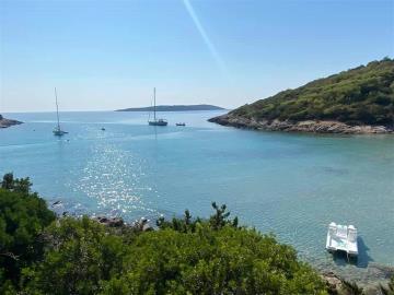 vis-island-otok-villa-pool-sale-property-estate-croatia-vila-s-bazenom-kuca-vile-vis-prodaja-nekretnine-7-a