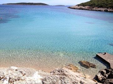 vis-island-otok-villa-pool-sale-property-estate-croatia-vila-s-bazenom-kuca-vile-vis-prodaja-nekretnine-7-c
