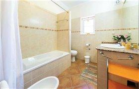 Image No.7-Maison de 6 chambres à vendre à Estói