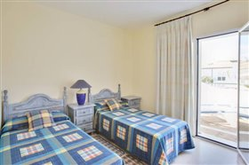 Image No.19-3 Bed Apartment for sale