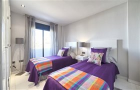 Image No.10-4 Bed Apartment for sale