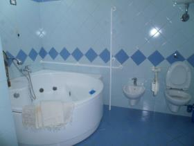 Image No.7-Maison de campagne de 3 chambres à vendre à Gizzeria