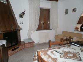 Image No.11-Maison de campagne de 3 chambres à vendre à Gizzeria