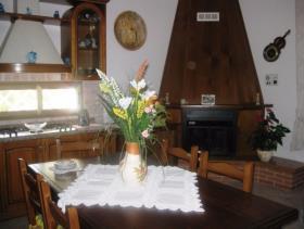 Image No.3-Maison de campagne de 3 chambres à vendre à Gizzeria