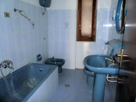 Image No.7-Maison de 5 chambres à vendre à Longobardi