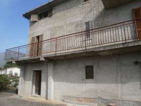 Image No.9-Maison de 5 chambres à vendre à Longobardi
