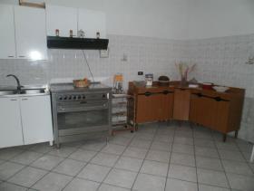 Image No.3-Maison de 5 chambres à vendre à Longobardi