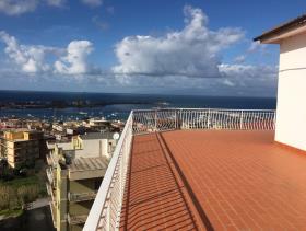 Image No.1-Appartement de 4 chambres à vendre à Vibo Marina