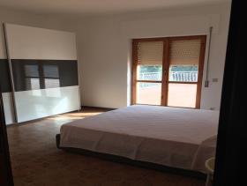Image No.11-Appartement de 4 chambres à vendre à Vibo Marina