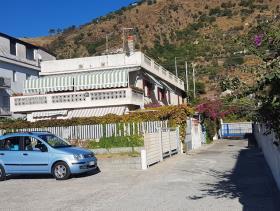 Image No.7-Appartement de 3 chambres à vendre à Fiumefreddo Bruzio