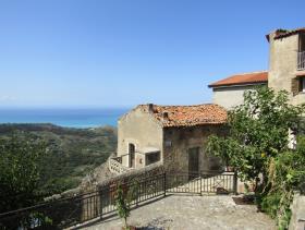 Image No.0-Maison de ville de 1 chambre à vendre à Grisolia