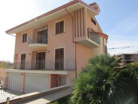 Image No.2-Villa de 3 chambres à vendre à Amantea