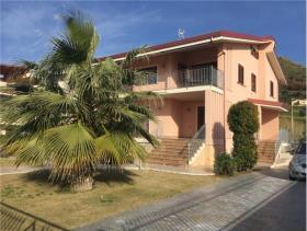 Image No.1-Villa de 3 chambres à vendre à Amantea