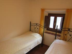 Image No.24-Maison de village de 3 chambres à vendre à Cavriglia