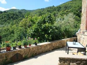 Image No.2-Maison de village de 3 chambres à vendre à Cavriglia