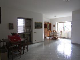 Image No.3-Villa de 4 chambres à vendre à Scalea