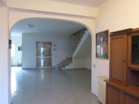 Image No.2-Villa de 4 chambres à vendre à Scalea