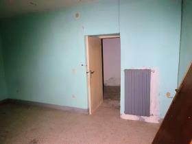 Image No.9-Maison de campagne de 3 chambres à vendre à Longobardi