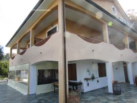 Image No.2-6 Bed Hotel for sale