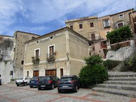 Scalea, Townhouse