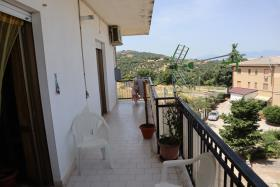 Image No.2-Appartement de 2 chambres à vendre à Corigliano Calabro